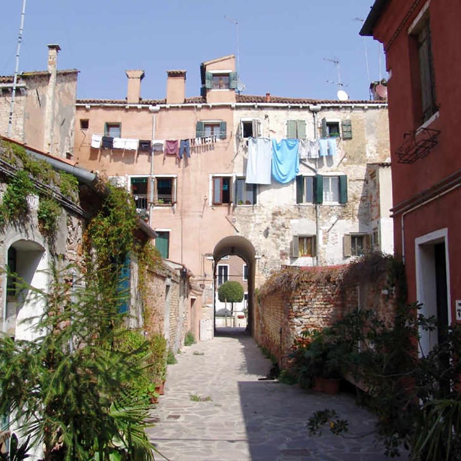 Tour of the Giudecca Island - historic area